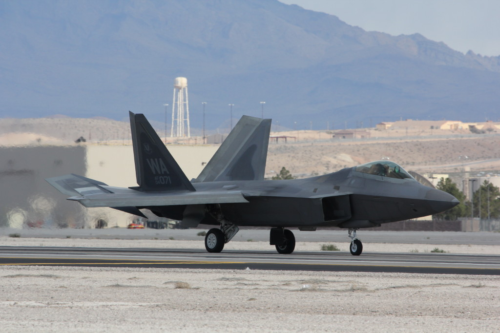 F22 Raptor Landing