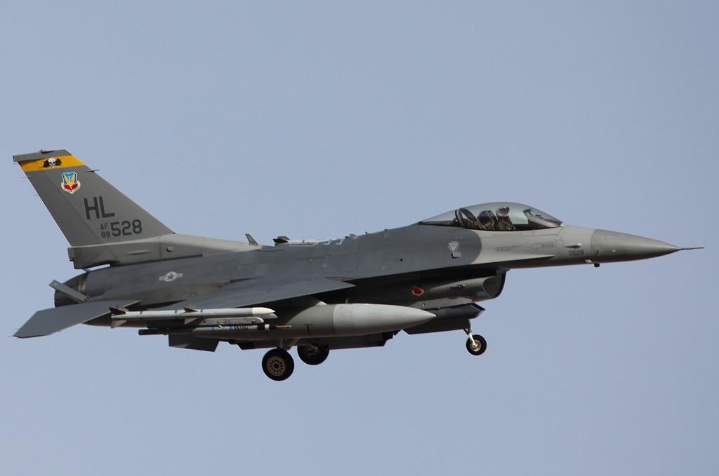 HL F16